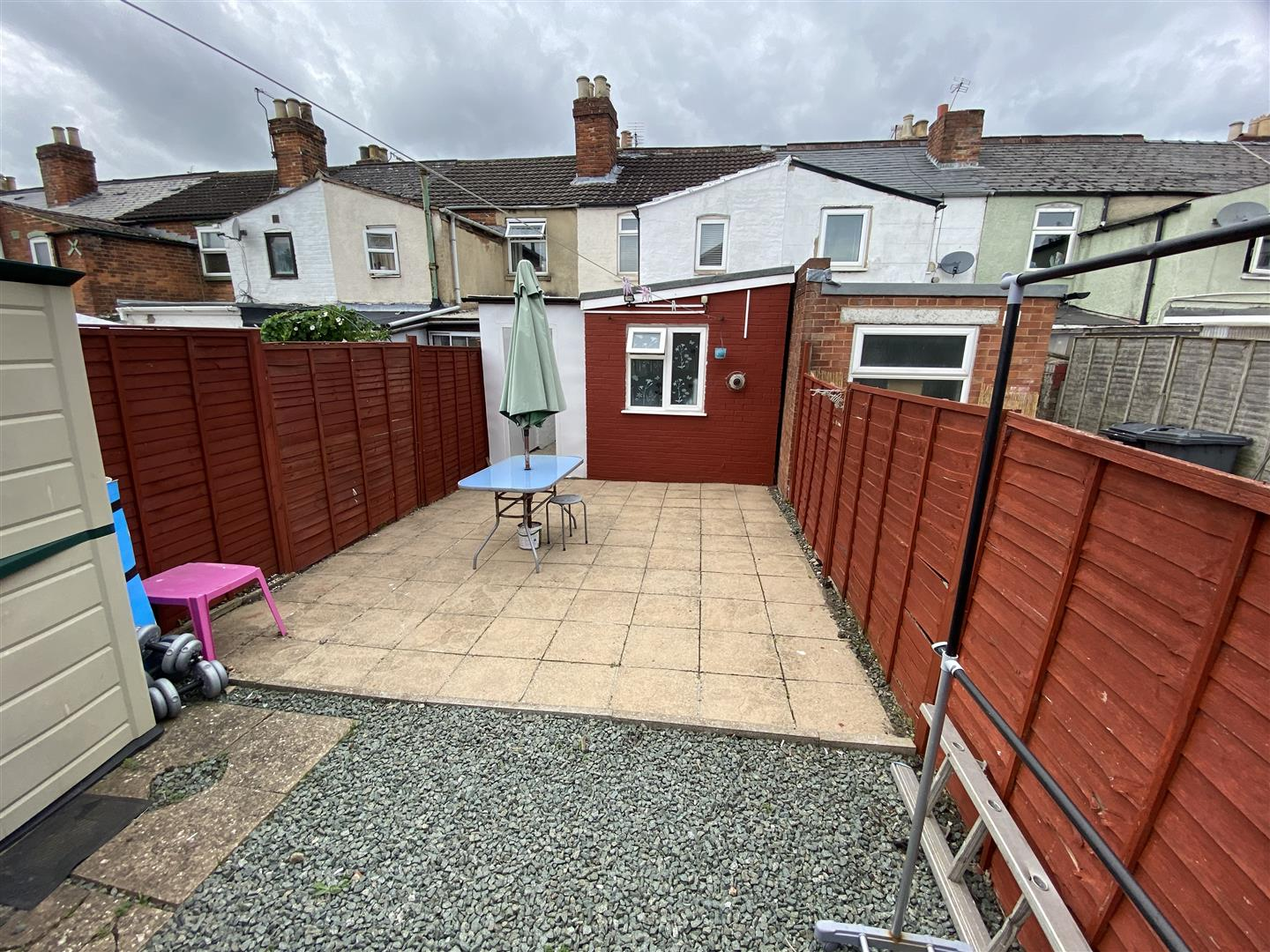 3 bedroom mid terrace house for sale